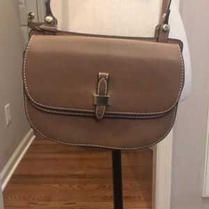 London Fog crossbody with adjustable strap. Tan